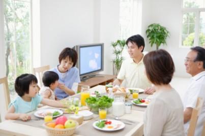 Trẻ biếng ăn mẹ phải làm sao đây?