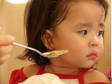 Làm mới thực đơn cho trẻ biếng ăn