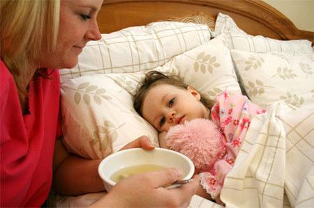 Chế độ ăn cho trẻ đang bị sốt