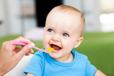 Cách bổ sung dầu ăn cho bé