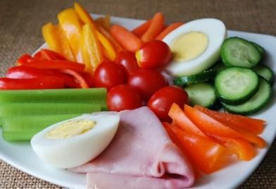 Cách lựa chọn thực phẩm giàu 4 vi chất dinh dưỡng trẻ hay thiếu
