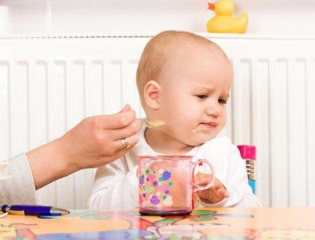 Trẻ biếng ăn   Những điều mẹ nên biết