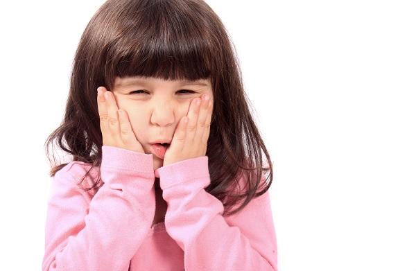 Viêm amidan ở trẻ e có biểu hiện gì cần chú ý