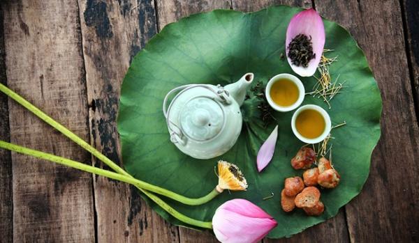 Thưởng trà sau Tết